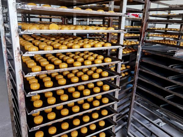 上海警方查获18万个假冒品牌月饼 涉案金额3000余万