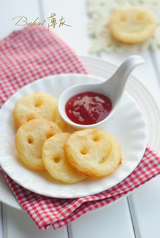 秒杀小朋友的美味小点心--笑脸土豆饼(图)